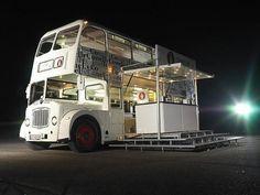 Englischer Doppeldeckerbus, Londonbus - mit seitl. Buehne, Roadshowbus, Roadshow, Promotionbus, Promotionfahrzeug, Roadshowfahrzeug