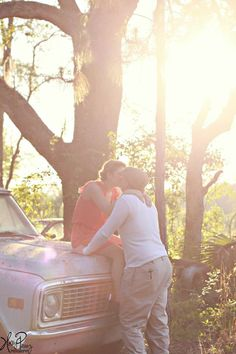 <3 young love in a ford truck