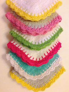 Crochet edged washers by Polka Dot Daze. So pretty! They'd be lovely with a bar of handmade soap and would make a sweet teachers gift, or new Mama pressie.