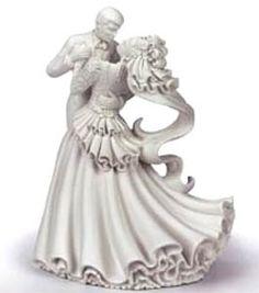 Wilton Bianca Wedding Cake Topper Wilton http://www.amazon.com/dp/B003RLA40A/ref=cm_sw_r_pi_dp_JF58ub0A9QGHP