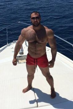 Deranged Suicidal Muscle Pig into extreme bodybuilding no limit steroid usage. Worshipper of violent men, nazi and Anything that kills me, makes me stronger. Looking for evil freaks to fuck with my brain and body. Male Chest, Hairy Chest, Handsome Bearded Men, Hairy Men, Extreme Bodybuilding, Guy Pictures, Gorgeous Men, Sexy Men, Hot Guys