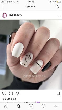 Geometric nail art designs look beautiful and chic on short and long nails. Geometric patterns in any fashion field are the style that fashionistas dream of. This pattern has been popular in nail art for a long time, because it is easy to create in n Minimalist Nails, Stylish Nails, Trendy Nails, Diy Nails, Cute Nails, Long White Nails, Black Nails, Geometric Nail Art, Geometric Graphic