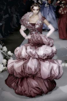 highqualityfashion:  Christian Dior HC FW 07