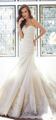 Sophia Tolli Fall 2014 Bridal Collection - Belle Magazine. El Blog de la boda para la novia sofisticada
