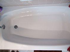 Le vinaigre blanc est un excellent nettoyant naturel pour votre baignoire. House Cleaning Tips, Cleaning Hacks, Tub Cleaning, Cleaning Products, Cleaning Supplies, Fiberglass Shower Pan, Clean Stove Burners, Miracle Cleaner, Bathtub Cleaner