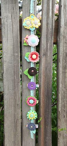 crochet flower hair clips..this is cute too!!