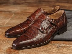 REHAB Mauro Croco Tobacco #rehabfootwear #classiccollection #tobacco #crocoprint #modern #unique #stylish #qualityshoes