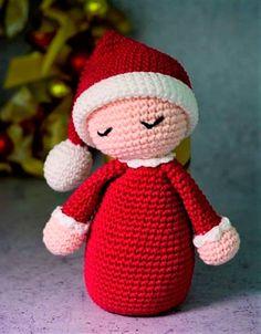 Amigurumi Baby Noel – Cindy Lee - Let's Pin This Crochet Christmas Gifts, Crochet Christmas Decorations, Christmas Crochet Patterns, Crochet Amigurumi Free Patterns, Crochet Dolls, Crochet Baby, Origami Christmas Ornament, Amigurumi Doll, Stuffed Toys Patterns