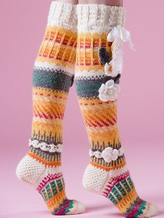Anelman Flower Socks Novita 7 Brothers and 7 Brothers Raita, Novita Knits spring … Crochet Socks Pattern, Crochet Gloves, Crochet Slippers, Knit Crochet, Wool Socks, Knitting Socks, Hand Knitting, Knitting Patterns, Comfy Socks