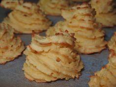 Hertuginnepoteter fra Søre Osen Duchess Potatoes, Food To Make, Cookies, Desserts, Recipes, Alternative, Crack Crackers, Tailgate Desserts, Deserts