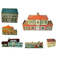 My parents should never have let me PLAY with my toys!    Collection Of Doll Houses By Marx, T.cohn,playsteel
