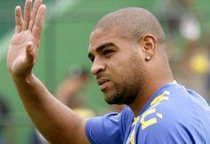 Adriano dá toco no Botafogo e pode se aposentar - Fotos - R7 Esportes