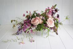 Bouquet de roses et lilas - Photo: Greta Kenyon - Stylisme: Magnolia Rouge - Fleurs: Leaf & Honey