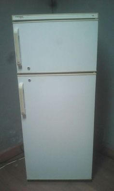 DOUBLE DOOR FRIDGE/FREEZER FOR SALE.THE FRIDGE IS IN A EXCELLENT WORKING CONDITION. THE FRIDGE HAS ALL THE SHELVES. WE CAN DELIVER THE FRIDGE FOR A EXTRA DELIVERY FEE. YOU CAN PHONE OR WHATSAPP ME ON 0730575200 Top Freezer Refrigerator, Double Doors, Home And Garden, Delivery, Kitchen Appliances, Shelves, Phone, Diy Kitchen Appliances, Home Appliances