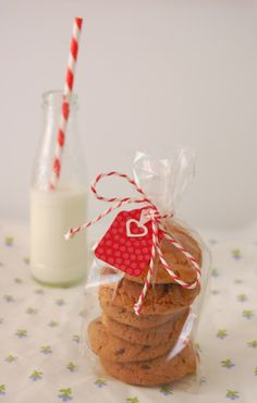 Valentines treats for friends/teachers etc Put your fav homemade cookies in treat bag