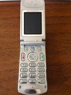 Motorola T720 Cellphone - Unlocked *VINTAGE* *COLLECTIBLE* #Motorola #Flip