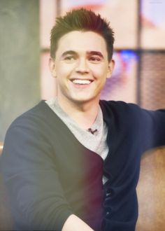 Jesse McCartney <3 I had the biggest crush on him when I was little. And I still do. I love him,and his music