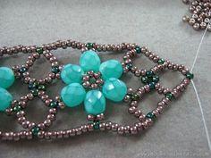 flowerbracelet057 Beaded Flower Bracelet