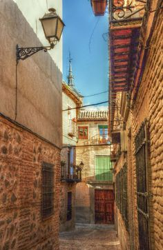 CALLE DEL AVE MARIA Toledo Maria Toledo, Country Scenes, Travel Quotes, Madrid, Spanish, Places To Visit, Houses, World, Drawings