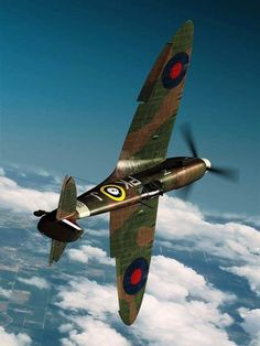one of the most beautiful fighter-planes of WWII along with the Mustang. Ww2 Aircraft, Fighter Aircraft, Military Aircraft, Fighter Jets, Spitfire Supermarine, Photo Avion, The Spitfires, Ww2 Planes, Vintage Airplanes