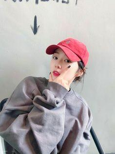 South Korean Girls, Korean Girl Groups, Irene Red Velvet, Kim Yerim, Boyfriend Goals, Korean Singer, K Pop, Baseball Hats, Winter Hats