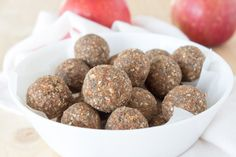 Naturally sweet without added sugars, enriched with the warm autumn spices and full of healthy nutrients these apple pie energy bites are a true healthy snack. CLICK to read the recipe or PIN for later!