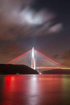 Yavuz Sultan Selim Bridge, Istanbul TRT AVAZ – sibel karabayram – Join the world of pin Wonderful Places, Beautiful Places, Places Around The World, Around The Worlds, Photographie New York, Istanbul Travel, Istanbul City, Pedestrian Bridge, Great View
