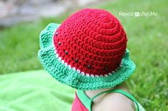 "When your daughter has a watermelon bathing suit, the only sensible thing to do is to crochet a matching watermelon sun hat! This hat is really easy to make and works up quickly using double crochet stitches. And I will show you how to make simple ""seeds"" using large pony beads! Materials: – Size H …"