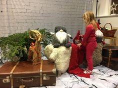 Fur Coat, Abs, Photography, Fashion, Photo Studio, Moda, Crunches, Photograph, Fashion Styles