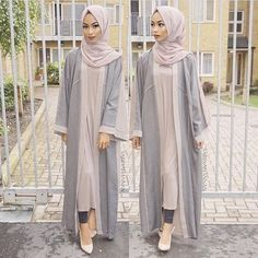Loving this colour palette for summer One of my fave open abaya from Earth grey hijab from Arab Fashion, Islamic Fashion, Muslim Fashion, Look Fashion, Hijab Fashion Summer, Modest Fashion, Skirt Fashion, Fashion Outfits, Hijab Elegante