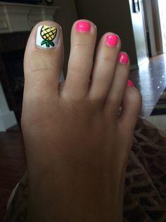 My pineapple toe nails! … My pineapple toe nails! Beach Toe Nails, Summer Toe Nails, Garra, Fancy Nails, Pretty Nails, Essie, Hair And Nails, My Nails, Pineapple Nails