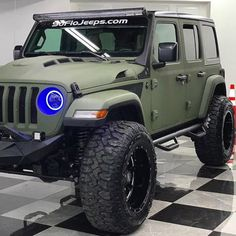 Jeep Wrangler Discover Do yourself a favor and check out the Jeeps at Jeep Wrangler Tj, Jeep Tj, Jeep Rubicon, Jeep Wrangler Unlimited, Jeep Truck, Lifted Ford Trucks, Diesel Trucks, Chevy Trucks, Auto Jeep