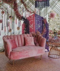 Pastel Colors, Green Colors, Maang Tikka Design, Purple And White Flowers, Indian Wedding Planner, Mehendi, Mehndi Decor, Wedding Planning Websites, Reception Party