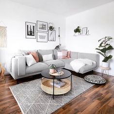 47 very comfortable living room color design ideas 47 Living Room Grey, Living Room Interior, Home Living Room, Living Room Decor, Apartment Living, Living Room Colour Design, Living Room Designs, Comfortable Living Rooms, Living Room Flooring