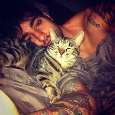 Jealous of this kitty.