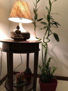 This pic is part of Anuradha Singh's Home Tour at Noida on The Keybunch decor blog - Corner space Old Antiques, Antique Shops, Corner Space, Madhubani Painting, Blue Pottery, Indian Home Decor, My Furniture, Victoria And Albert Museum, Drawing Room
