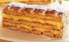 Millefoglie like Bindi Greek Sweets, Greek Desserts, Greek Recipes, Pureed Food Recipes, Sweets Recipes, Cheesecake Brownies, Love Is Sweet, Hot Dog Buns, Apple Pie