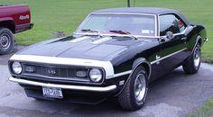 1968 Chevrolet Camaro SS cest le voiture je veux achter avec le futur parce que cest veiux et beau. Je aime les voitures vieux.