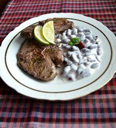 Ünnepi ebédnek számít egy ilyen fogás, hiszen az őzgerinc nem mindennapi eledelnek számít. Különleges alkalmomra viszont érdemes kipróbálni, hiszen tényleg nagyon finom. Citromos-korianderes őzgeri… Grains, Rice, Beef, Dishes, Cooking, Recipes, Food, Cilantro, Meat