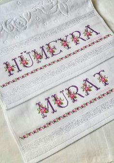 Etamin havlu hümeyra murat çeyiz, düğün Towel, Cross Stitch, Embroidery, Instagram, Embroidered Towels, Throw Pillows, Cursive, Punto De Cruz, Needlepoint