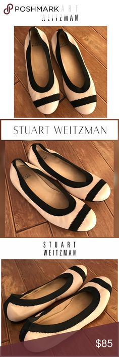 STUART WEITZMAN Giveable Ballet Flats Nude 7.5 Giveable flexibility for maximum comfort & style. Nude genuine leather with black trim. Cushioned sole. Excellent Condition! (Only worn once) Smoke and pet free. Stuart Weitzman Shoes Flats & Loafers