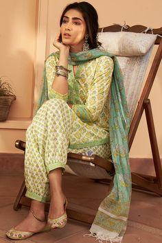 Designer Wear: Shop Designer Ethnic Wear by Farida Gupta Kurta Designs Women, Salwar Designs, Kurti Designs Party Wear, Blouse Designs, Green Suit Women, Suits For Women, Clothes For Women, Printed Kurti Designs, Salwar Pattern