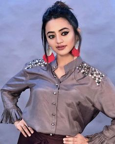 Cute Girl Photo, Beautiful Girl Photo, Beautiful Girl Indian, Beautiful Indian Actress, Girls Fashion Clothes, Girl Fashion, Fashion Outfits, Fashionable Outfits, Helly Shah