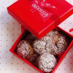 A recipe for chocolate snowballs which makes a fabulous Christmas gift, make it even better by wrapping them up with our Jam drops.
