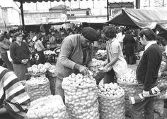 Acervo/Estadão - Feira livreem São Paulo em foto da década de 70