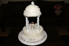 1st Holy Communion cake (Inspirational design from Wilton cakes)