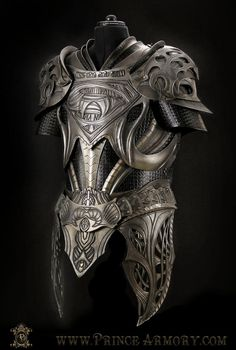 Inspired by the armor worn by Superman's father Jor-El (Russel Crowe, reference photo HERE) in the 2013 Man Of Steel movie, this is the medieval leather armor crafted by the wizards at Prince Armory. Armadura Medieval, Arm Armor, Body Armor, Armor Suit, Fantasy Armor, Fantasy Weapons, Medieval Armor, Medieval Fantasy, Costume Viking
