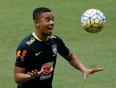 Gabriel Jesus no treino da seleção brasileira em Manaus (Foto   Reuters Paulo… 447b5690b9ce2