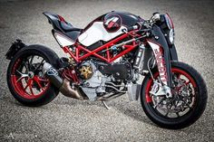 Ducati S4Rs Thesium