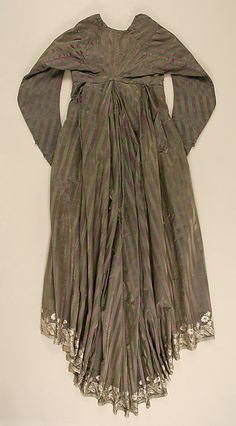 C. 1795 Italian silk and linen round gown